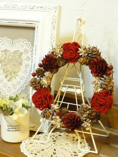 赤い薔薇の冬リース3
