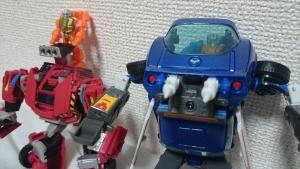 トランスフォーマー マスターピース MP-25 トラックスで遊ぼう02009