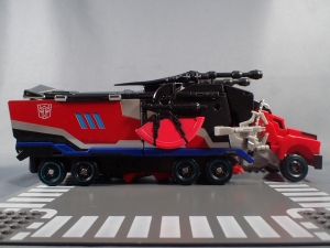 トランスフォーマー TAV33 オプティマスプライムシュプリームモード ビークルモード022