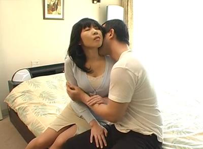 アダルト出演する為にスカウトされた50代の普通のおばさんと熟年夫婦のようなおめこをするセックス動画