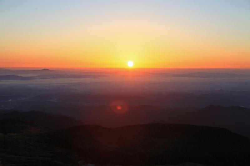 20151017_栗駒山山頂から見たご来光