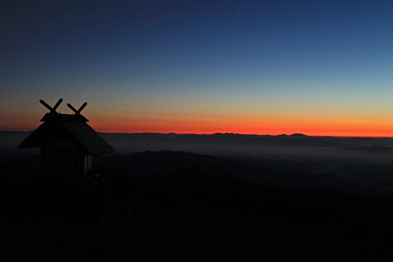 20151017_栗駒山山頂からの朝焼け