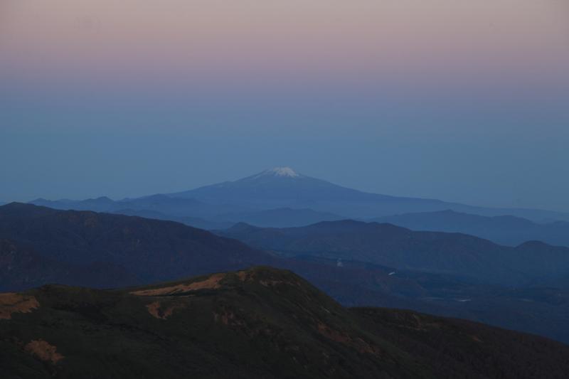 20151017_栗駒山山頂から見た鳥海山