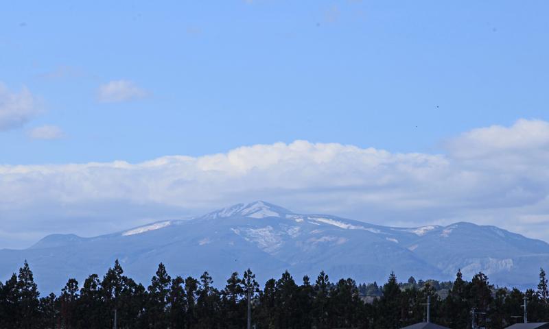 20151026栗駒山初雪2b