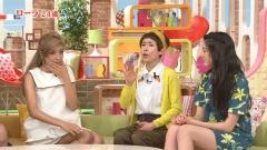 三吉彩花ミニスカ太もも▼ゾーン画像1