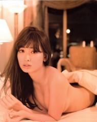 小嶋陽菜Tバックトップレス下着画像1