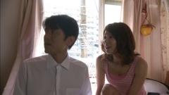 内山理名胸チラ尻画像2