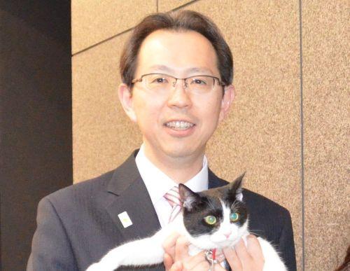 500 福島県内堀雅雄知事と猫ジャンヌダルク