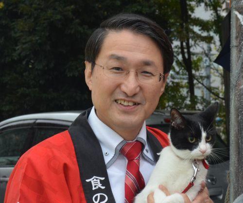 鳥取県平井伸治知事と猫ジャンヌダルク