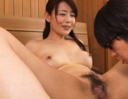 四十路の熟母!息子たちを性教育で筆おろしする美熟女!三浦恵理子