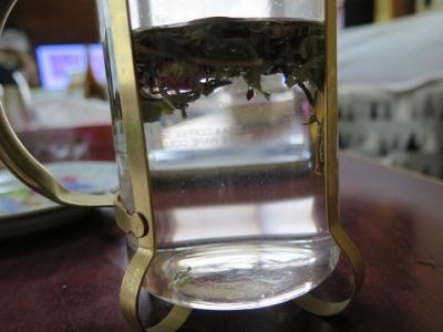 赤いローゼルの実と白ローゼルの葉のお茶