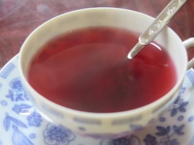 ローゼルのジャムのお茶