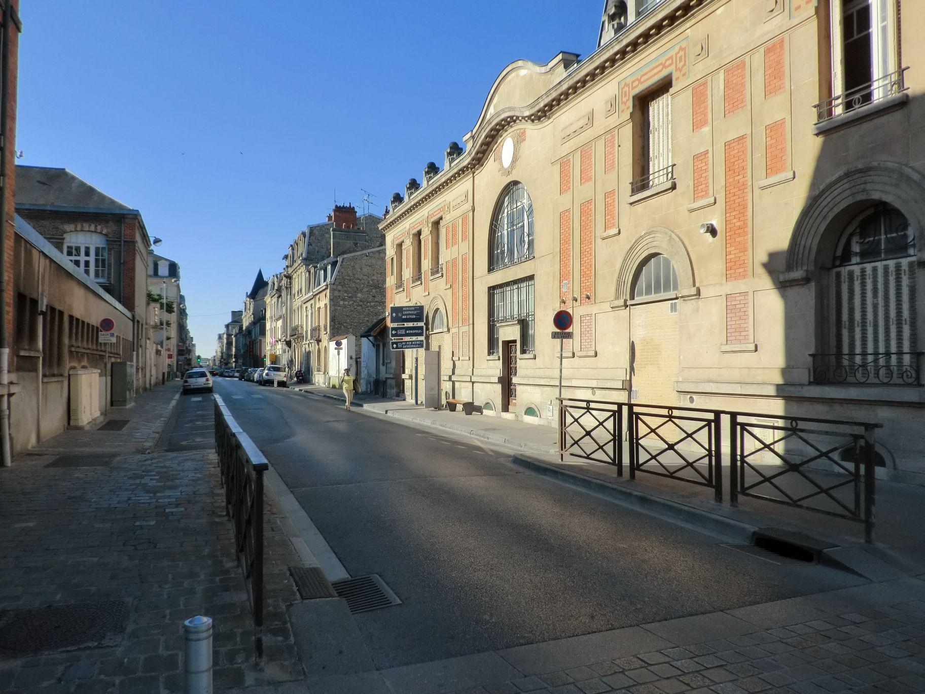 ジャンヌ通り2