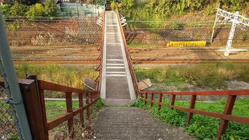 東山の人道跨線橋2