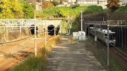 東山の人道跨線橋5