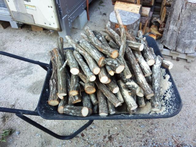 細木の薪1101