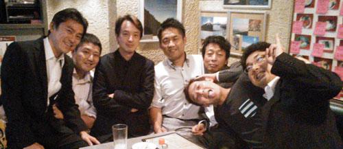 この場で山崎がチーム首脳陣に退団を申し入れ、チーム側が受諾したとみられる