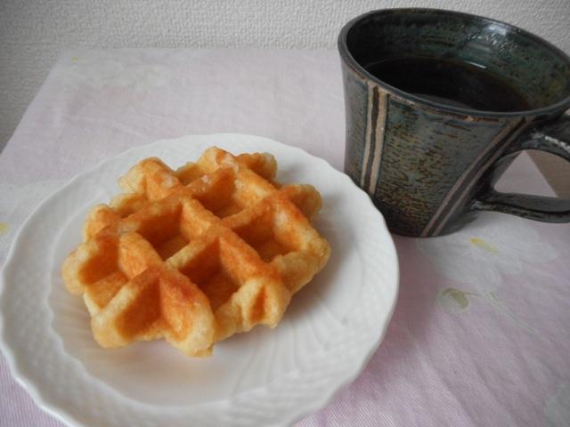 ベルギーワッフルとコーヒー