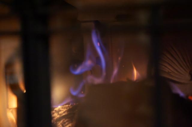 薪ストーブのオーロラ燃焼-02