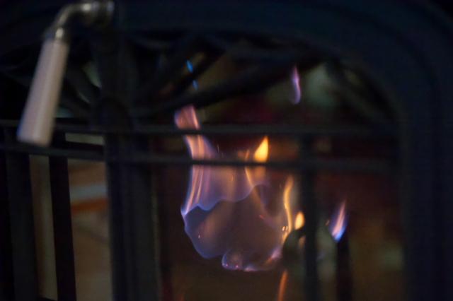 薪ストーブのオーロラ燃焼-03