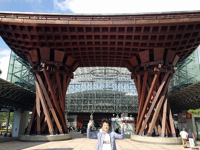 10月17,18日に富山で同窓会があり、サンダーバードで行ってきました(^^♪
