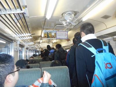 釧網線で通学する高校生たち