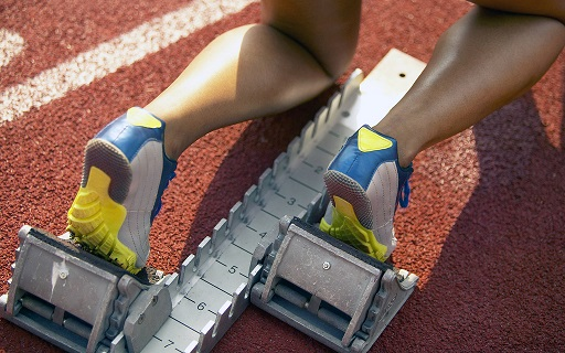 Athletic_Feet_at_Starting_Block.jpg