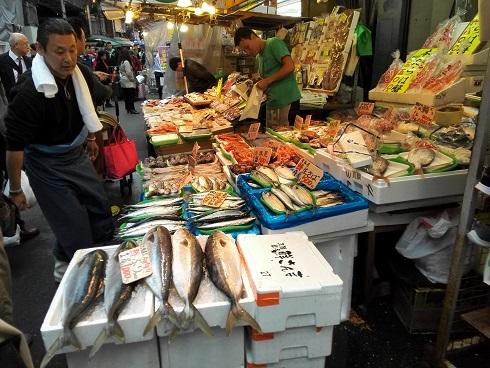 12 魚屋さん ブリ1尾1000円