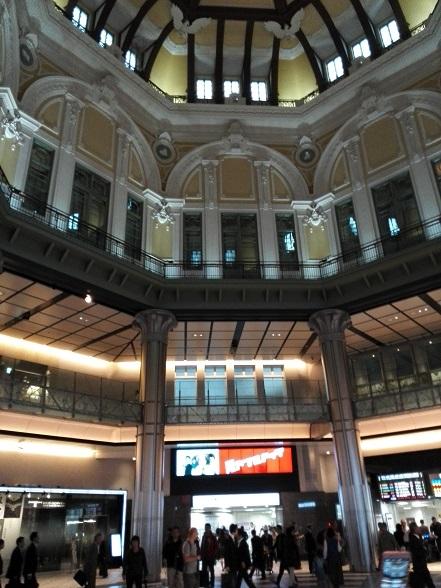 14 東京駅・北ドーム内