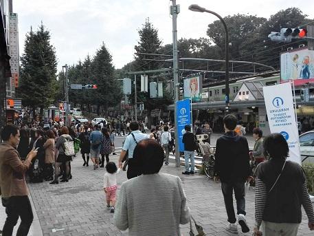 8 JR原宿駅前