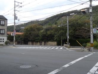 けいおん!聖地巡礼 平沢邸から北山通(二股に分かれる交差点)