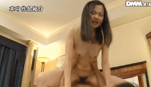 徳井知咲おっぱい画像2a08