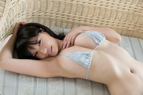 久松かおり水着画像b05