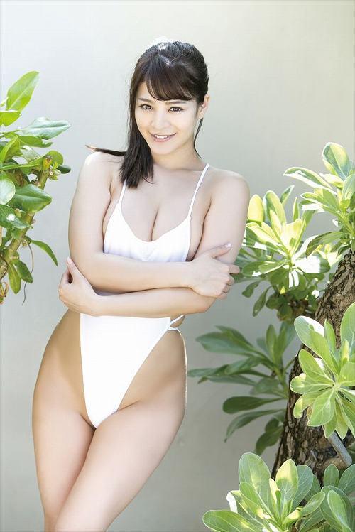 春菜めぐみグラビア画像b10