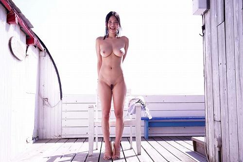南真菜果美巨乳おっぱい画像2b06