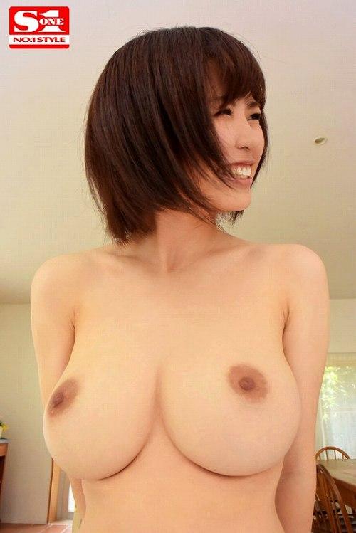 相澤ゆりな美巨乳おっぱい画像a05