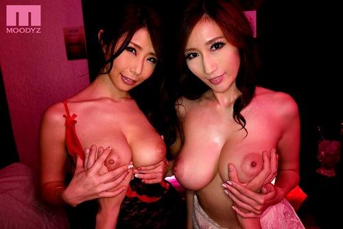 JULIAと篠田あゆみ爆乳おっぱい画像b01