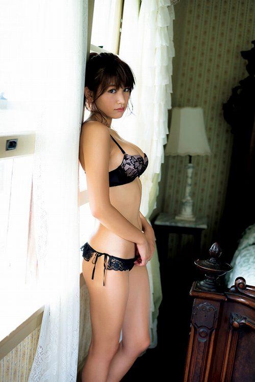 久松郁実巨乳おっぱい画像b93