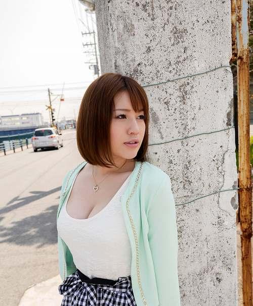本田莉子巨乳おっぱい画像b01