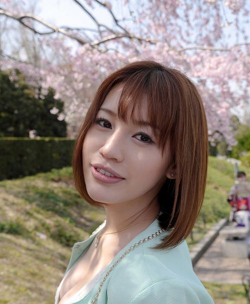 本田莉子巨乳おっぱい画像b04
