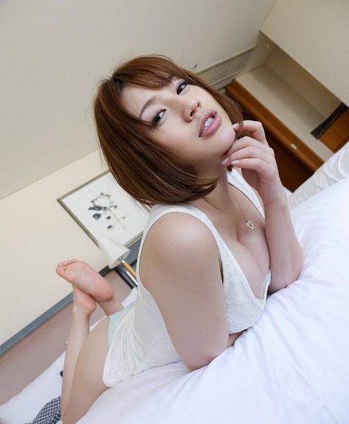 本田莉子巨乳おっぱい画像b08
