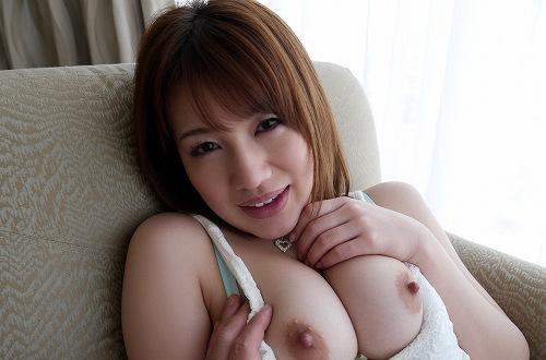 本田莉子巨乳おっぱい画像b18