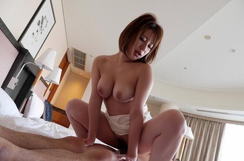 本田莉子巨乳おっぱい画像b26