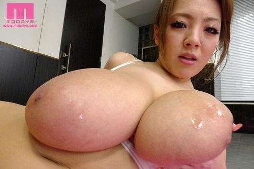Hitomi(田中瞳)爆乳おっぱい画像2b24