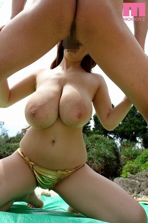 Hitomi(田中瞳)爆乳おっぱい画像2b28