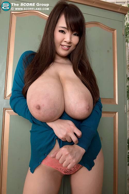 Hitomi(田中瞳)爆乳おっぱい画像b05