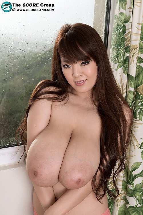Hitomi(田中瞳)爆乳おっぱい画像b06