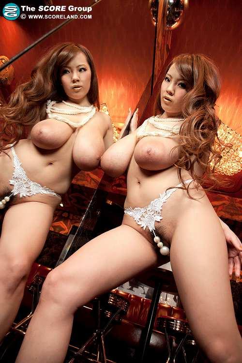 Hitomi(田中瞳)爆乳おっぱい画像b09