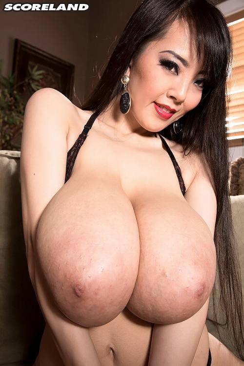 Hitomi(田中瞳)爆乳おっぱい画像b14