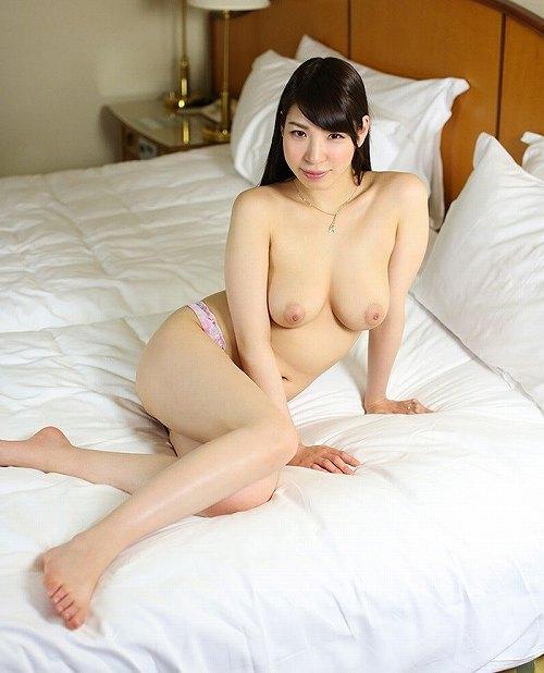 香山美桜美巨乳おっぱい画像c05